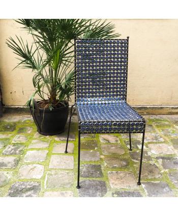 Chaise en capsules métalliques